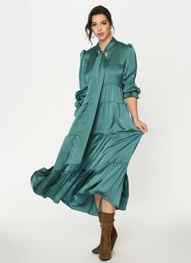 Loves You Uzun Kol Saten Yüzeyli Maxi Boy Kesik Katlı Elbise Yeşil
